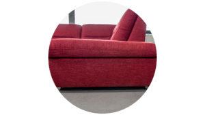 Sitzschraegen in einem Sofa.